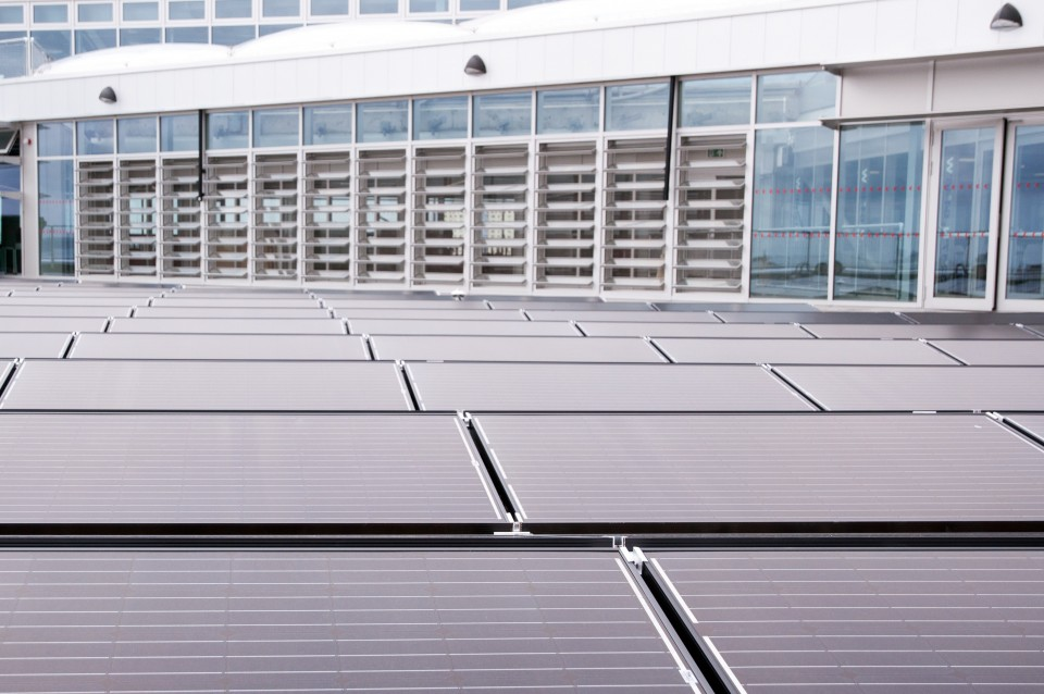 Land Rover BAR rooftop solar